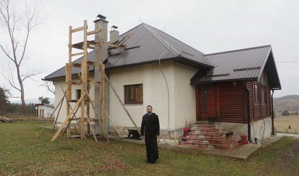 nova-ograda-oko-crkvene-porte-borike-2