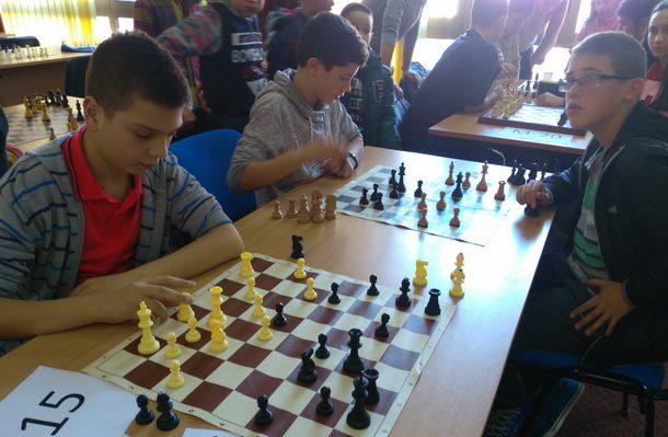 Omladinski sahovski turnir u Foci